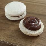 Macarons com recheio de chocolate